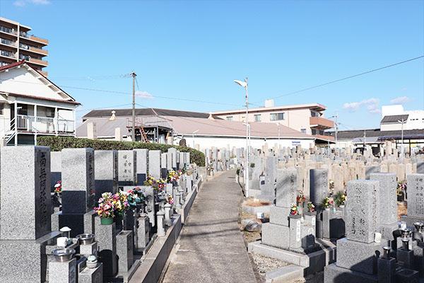 東大阪高倉墓地、墓地内風景写真